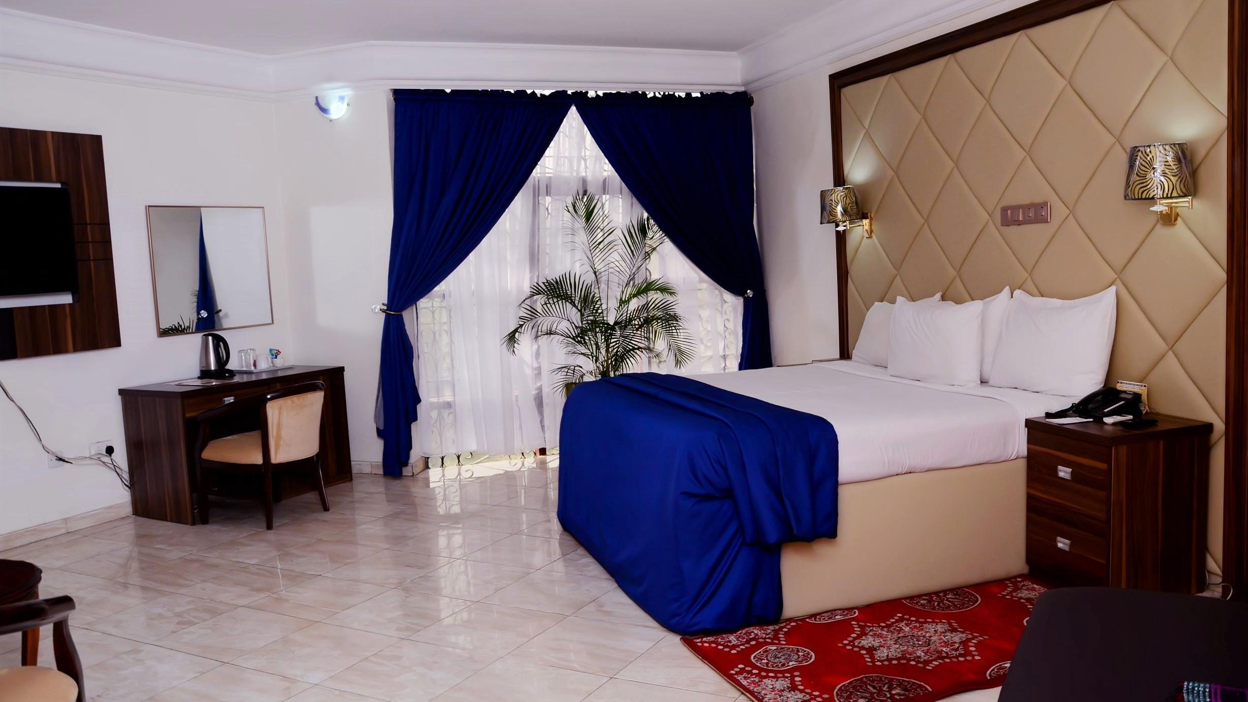 Valencia Business Suite